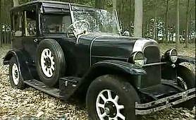 Orgia vintage in macchina d'epoca