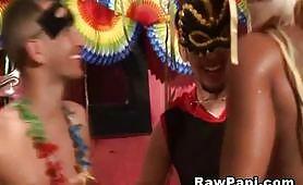 Festa porno con ragazzi gay latini