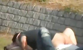Video rubato coppia fa sesso al parco