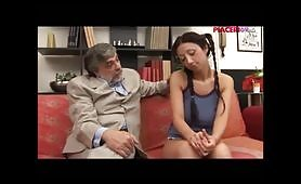 Porno incesto italiano con vecchio padre arrapato