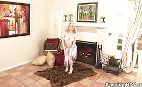 sexy adolescente si masturba con vibratore