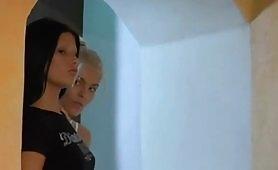 Scena del film La Casta con Valentina Canali e Jasmine Rouge