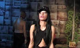 Valentina Canali e Omar Galanti scena del film El Diablo