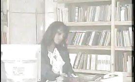 La calda segretaria della biblioteca