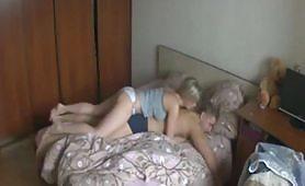 Il sex tape di una coppia di giovani maialoni