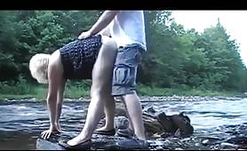 Una sveltina a pecorina in riva al fiume