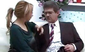 Calda scena incestuosa ripresa dal film Un papa` premuroso