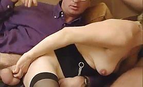 Benedetta, calda moglie zoccola di Torino gode con marito e con bull
