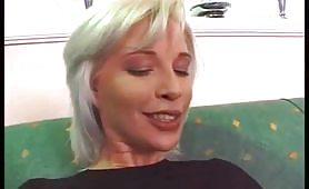 Bella troia bionda sportiva gode in casting porno italiano