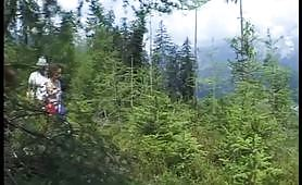 Giovane austriaca scopata nel bosco