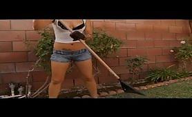 Un bel video porno interraziale di sesso a tre
