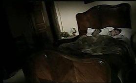 Giovane moglie sposata scopata davanti al marito