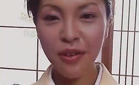 Giovane giapponese maggiorata sborrata in faccia