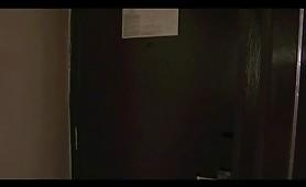 Innocente bionda fottuta da ragazzo di colore nercione